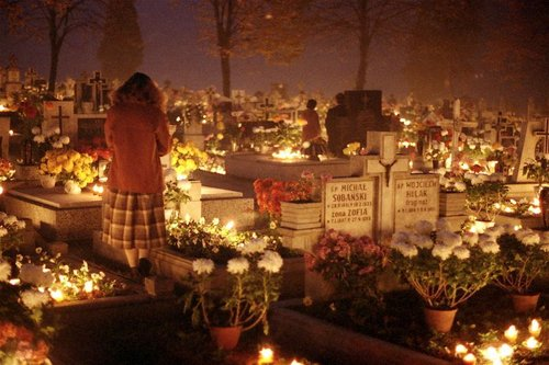talca-chile-visiting-the-cemetery